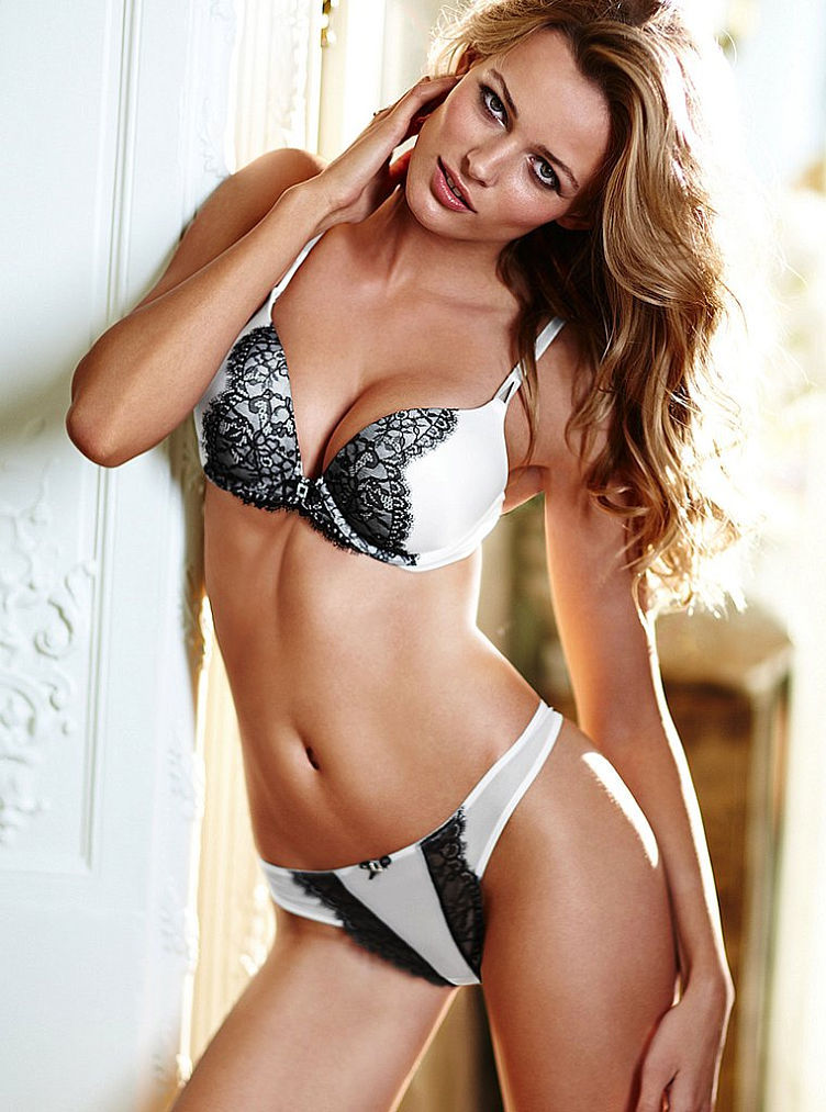 Edita And Black Lace On White Love