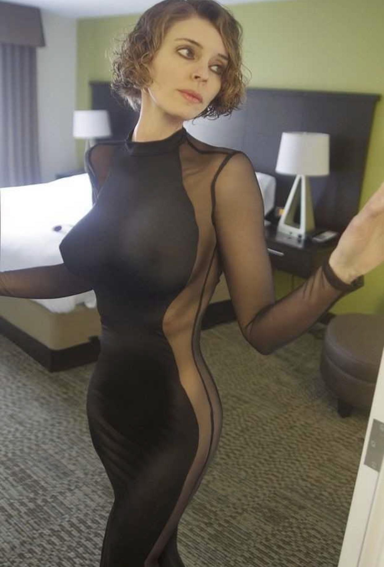 I'd Love To Be Her Date