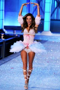 Ale And Vsfs Love This Shot And Outfit Are Absolutely Incredible