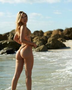 Ari Tawny