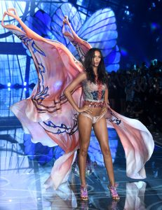 Lais And Wings Love