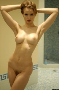 Stephanie Rhodes