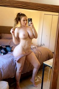 """This 44"""" Ass And 34f Tits Could Sure Use Every Inch Of You Tonight ? ? ? Come Play With This Milf ?"""